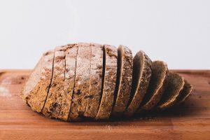 ¿Los gatos pueden comer pan?